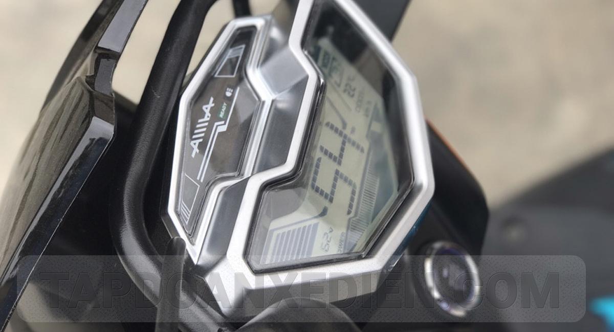 Đồng hồ điện tử sang trọng kết hợp với nút khởi động thông minh