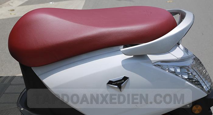 Yên xe được thiết kế từ vật liệu cao cấp