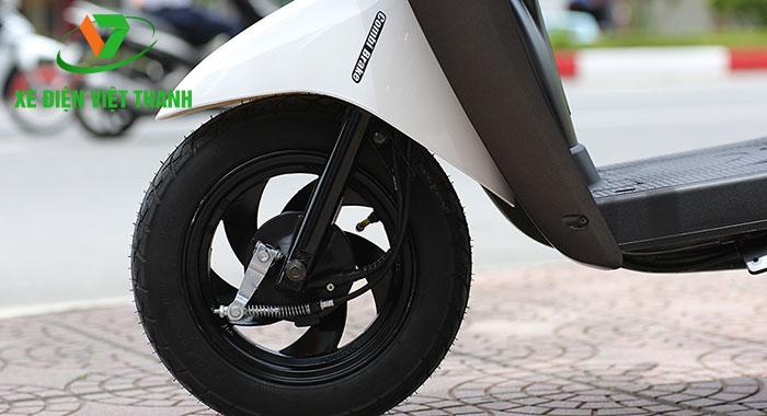 Lốp không săm kết hợp phanh cơ an toàn