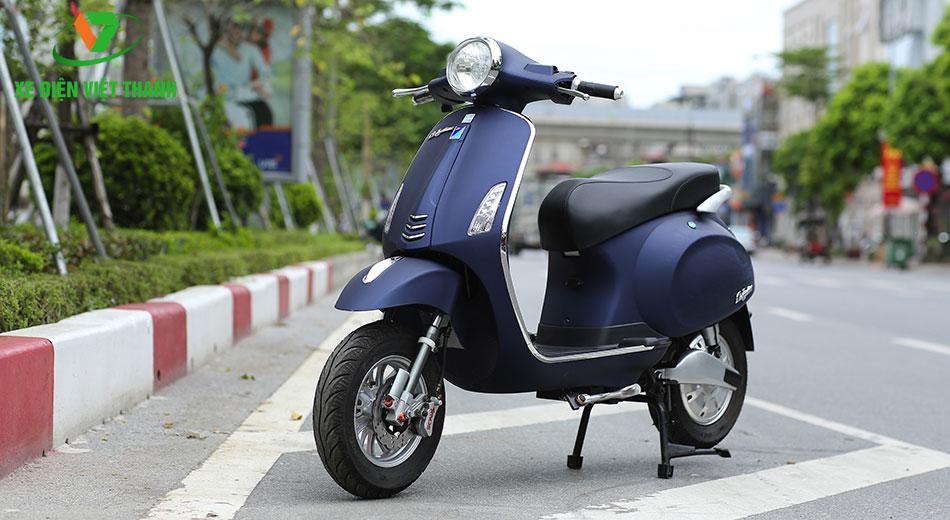 xe máy điện Vespa Nioshima S màu xanh đen