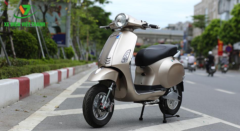 Xe máy điện Vespa Nioshima S màu nâu sáng