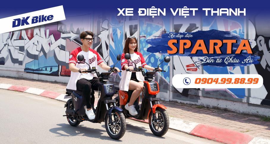 Xe đạp điện Sparta màu xanh tím có người mẫu