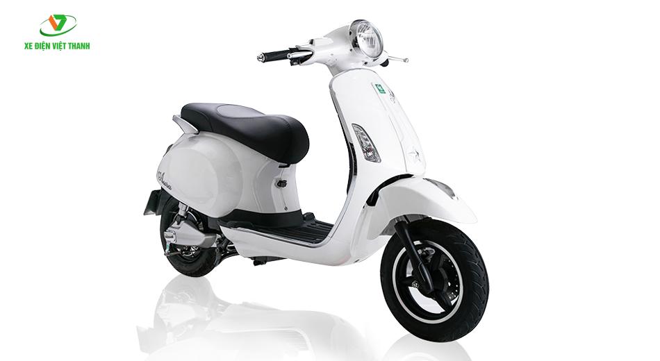 xe máy điện Aura 9
