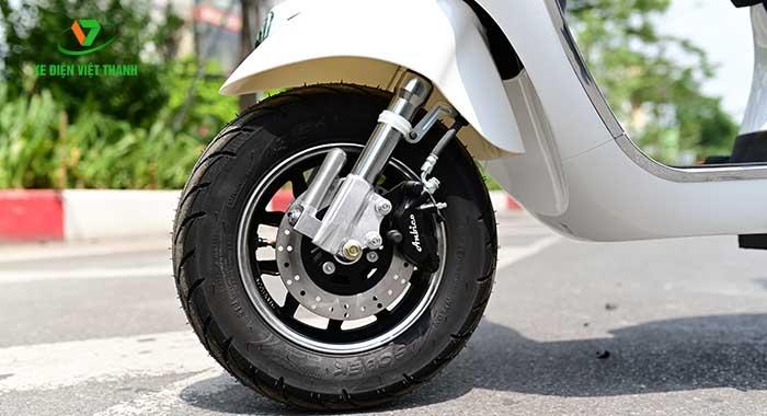 Phanh đĩa kết hợp lốp không săm